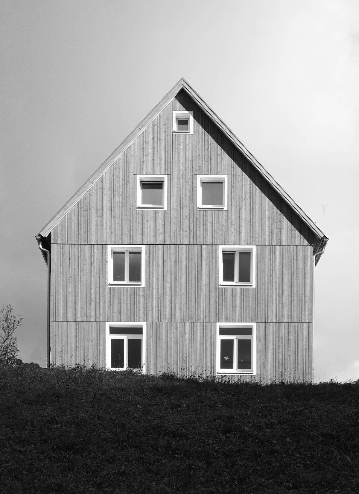 sanierung-bestand-architektur-holzfassade-giorno-buero-fuer-angewandte-baukunst